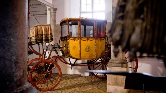 Gold carriage