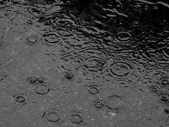1200px-Here_comes_rain_again